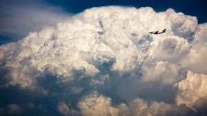 aviation___the_plane_of_a_storm_cloud_051999_